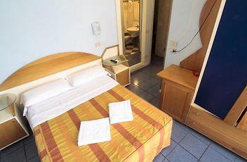 HOTEL SOGGIORNO ATHENA, PISA ***